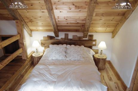 la tarabelle chambres et table d 39 h te loz re. Black Bedroom Furniture Sets. Home Design Ideas